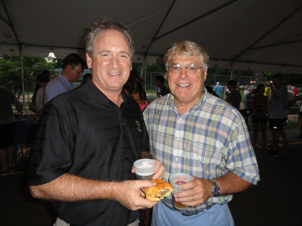 Rumson Mayor John Ekdal and Fair Haven Mayor Ben Lucarelli enjoy a time together. Photo/Elaine Van Develde